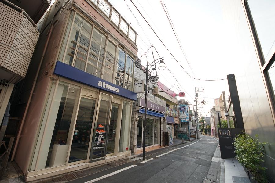 atmos harajuku アトモス 原宿店