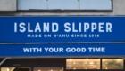 看板 ISLAND SLIPPER(アイランドスリッパ) ポップアップショップ 青山 骨董通り