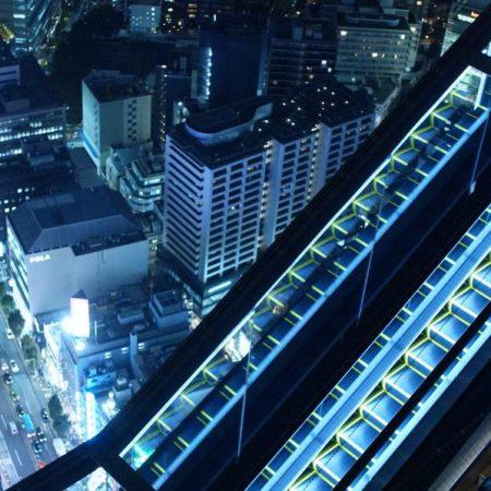 渋谷スクランブルスクエア 展望台 夜景 エスカレーター
