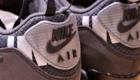 "UNDEFEATED x NIKE AIRMAX 90 ""anthracite"" アンディフィーテッド ナイキ エアマックス90 アンスラサイト ブラック バックタブ UNDFTD ロゴ"